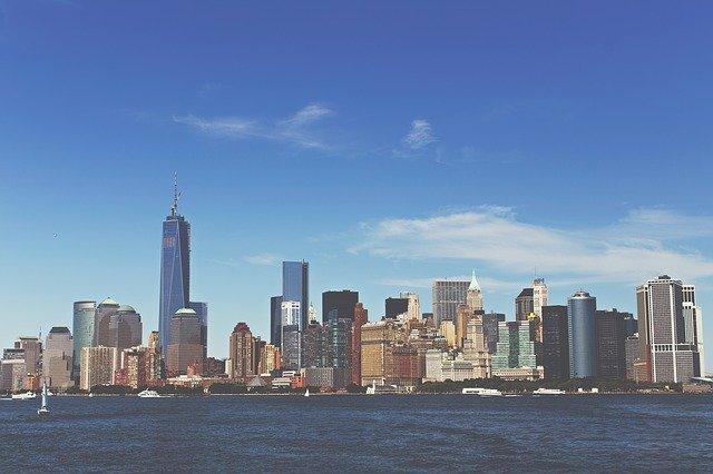 Se observa el Skyline de Manhattan en Nueva York