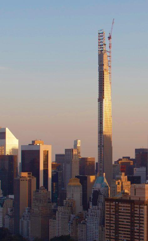 Steinway Tower en proceso de finalización.
